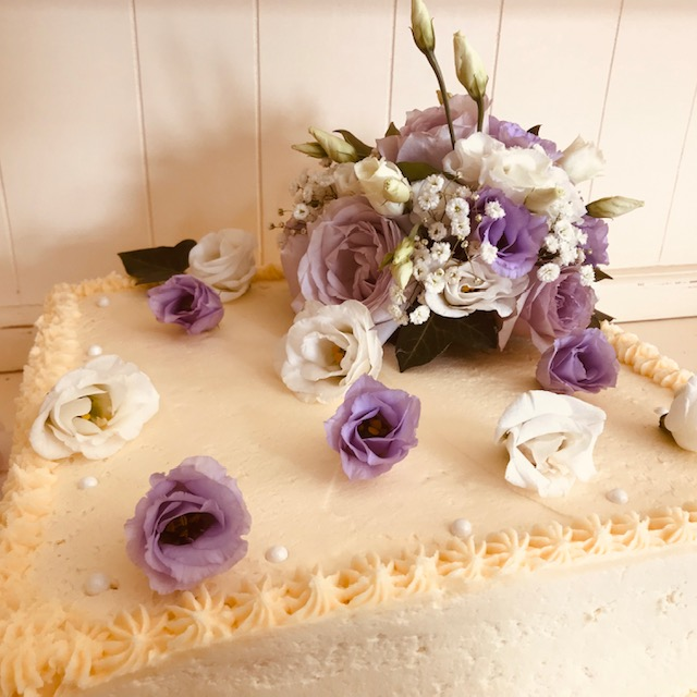 Retangular Cake with flowers