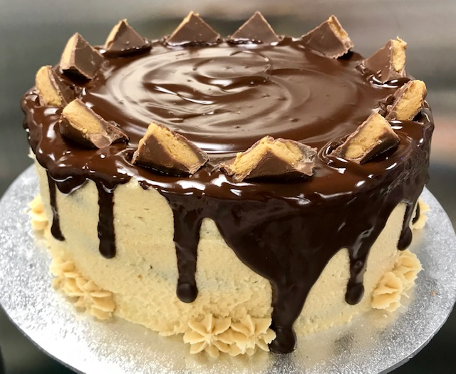 Flourless chocolate peanut butter ganache cake